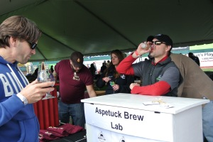 Peter Cowles of Aspetuck Brew Lab at Harbor Brew Fest 2015